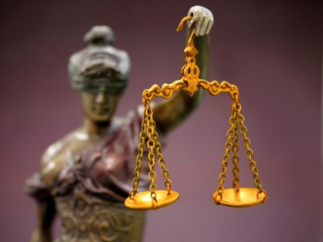 弁護士天秤